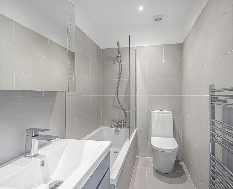 Manchester Road Main Bathroom